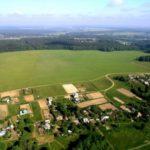 Семья Азарова передала 11 гектаров земли под Киевом офшорной компании на Кипре